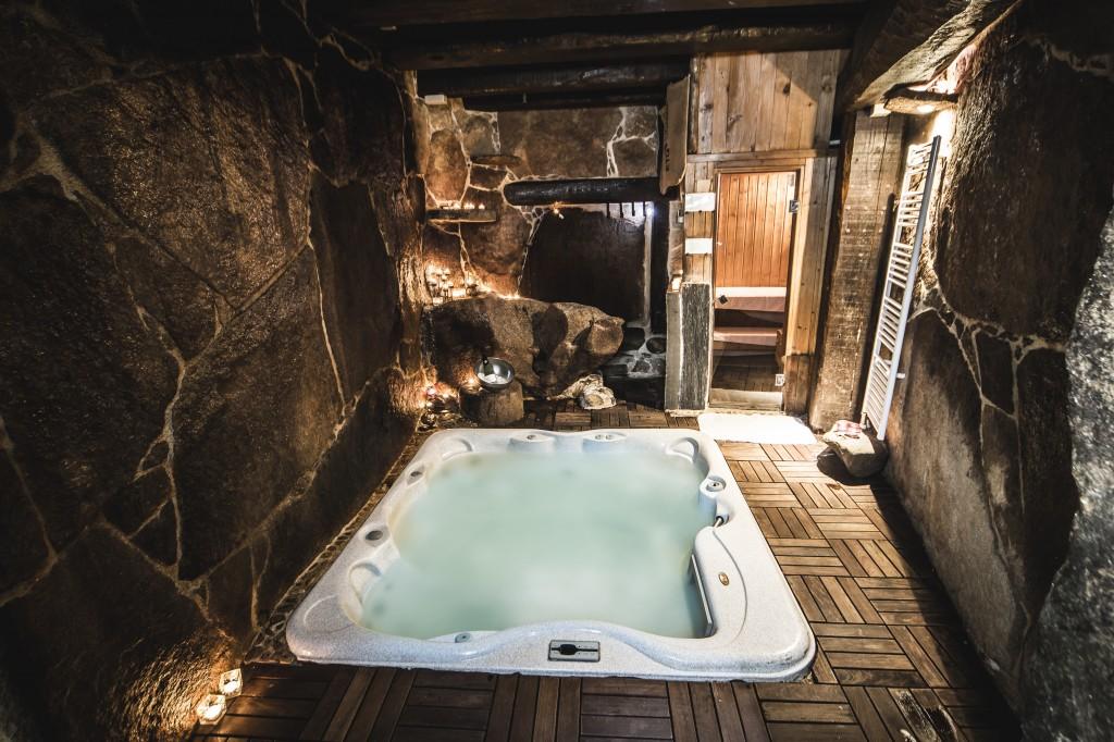 spa privado en cueva termal en hotel y casa rural, Arribes del Duero, Salamanca