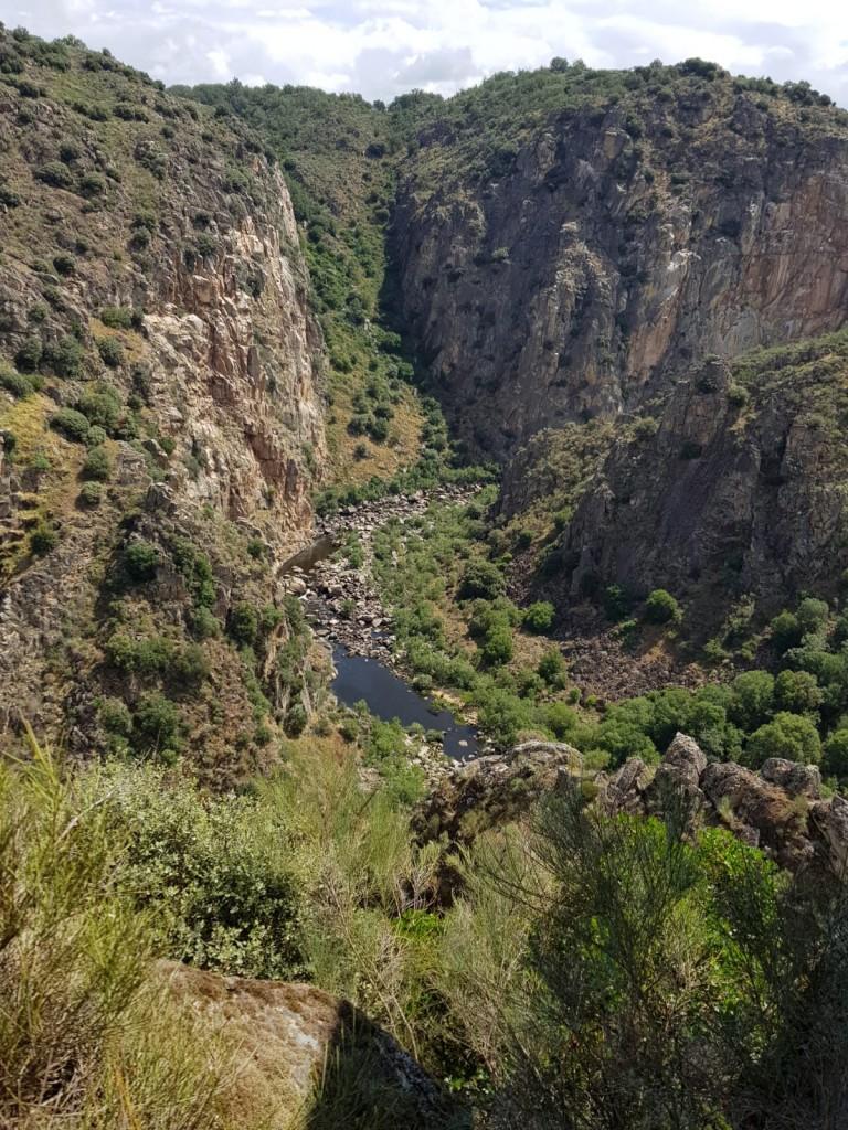 arribes del Huebra, en el parque natural de Arribes del Duero, ruta de senderismo
