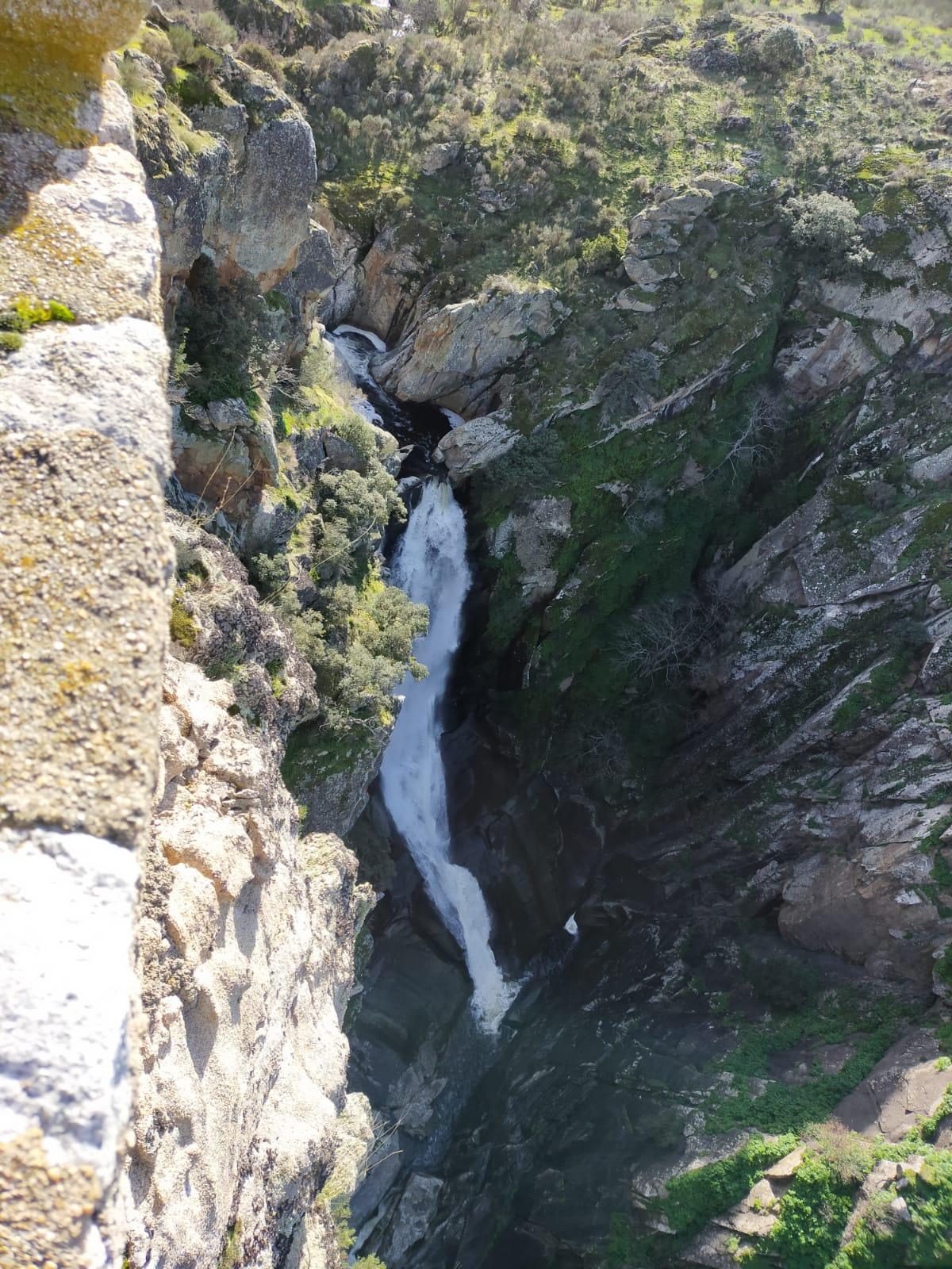 cascada del Cachón del Camaces en Arribes del Duero